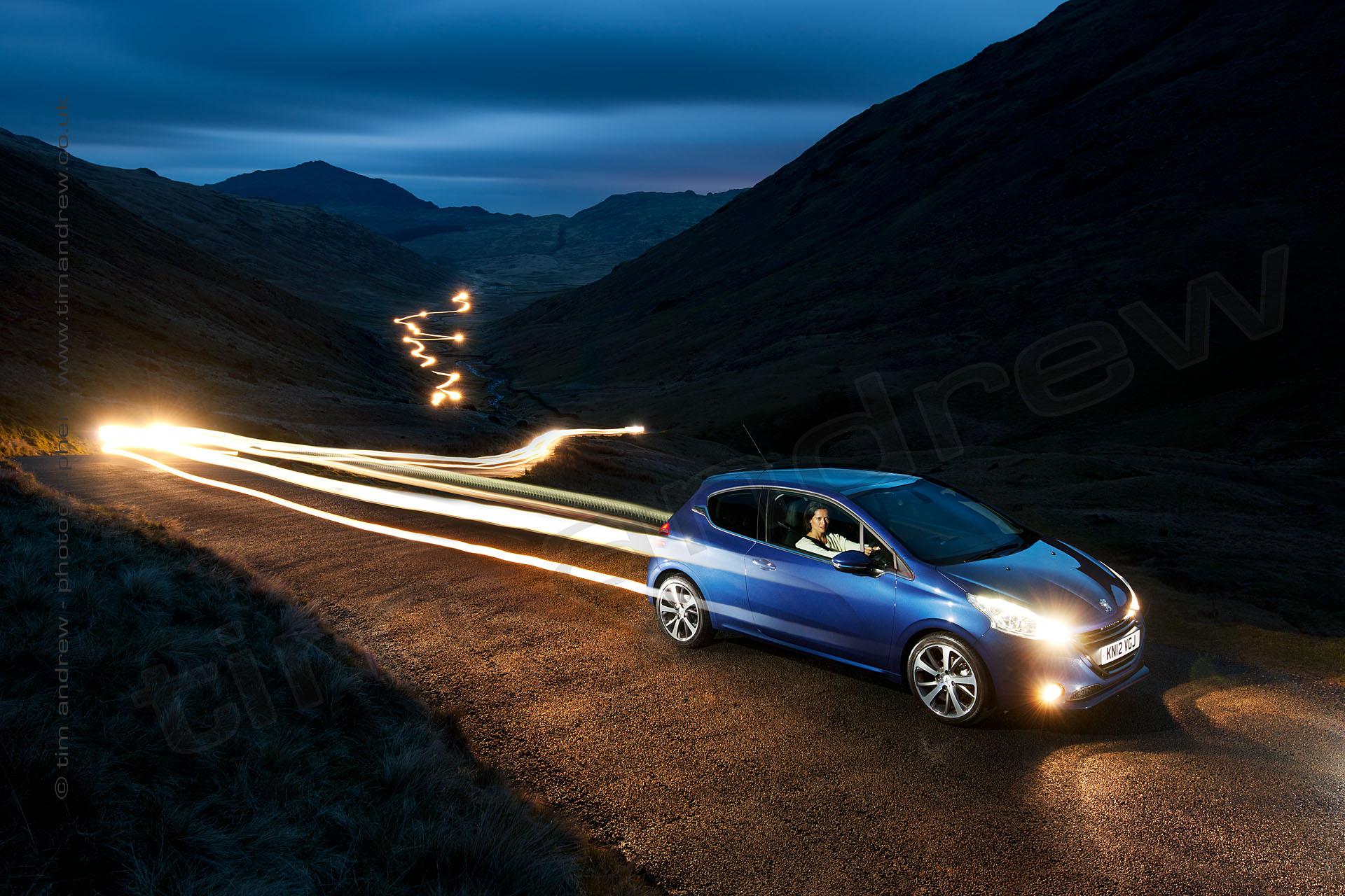 Peugeot 208 GTi steak lights at night