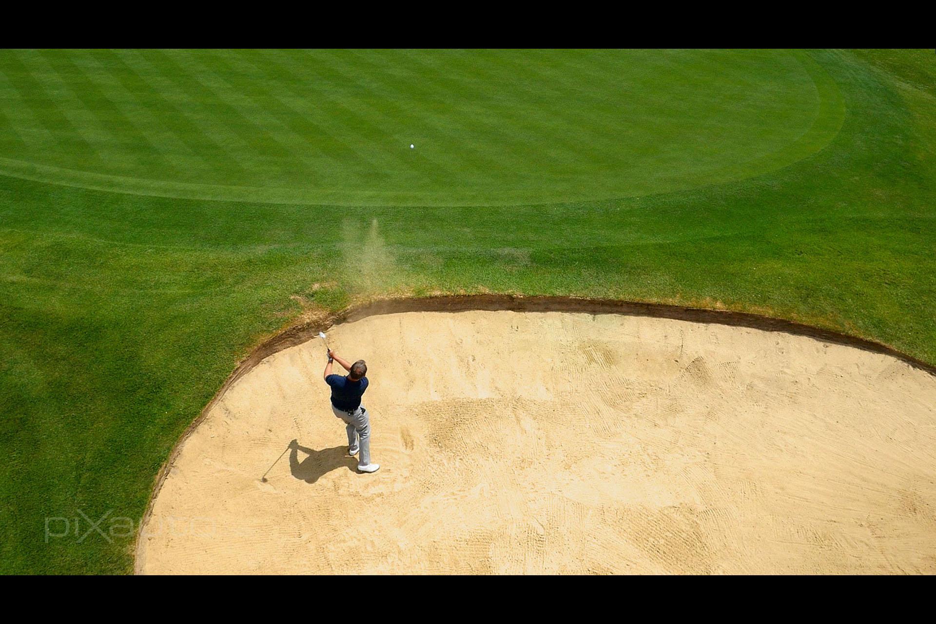 Niels Golf Club golfer aerial